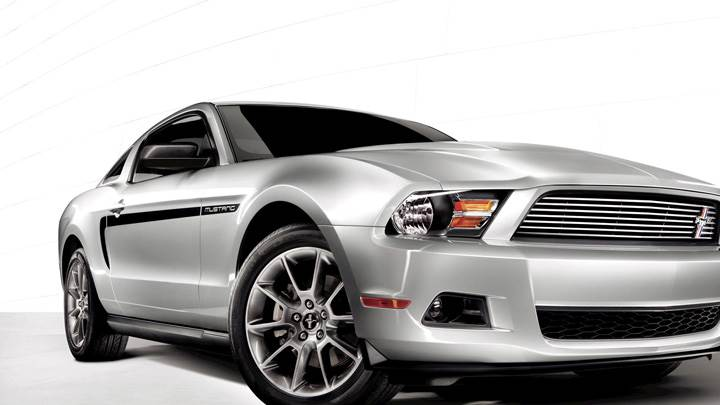2011 Ford Mustang V6 In Silver Side Front Pose